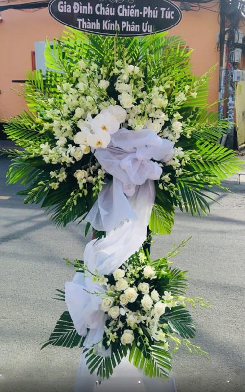 Mẫu vòng hoa đám tang làm tư lan hồ điệp