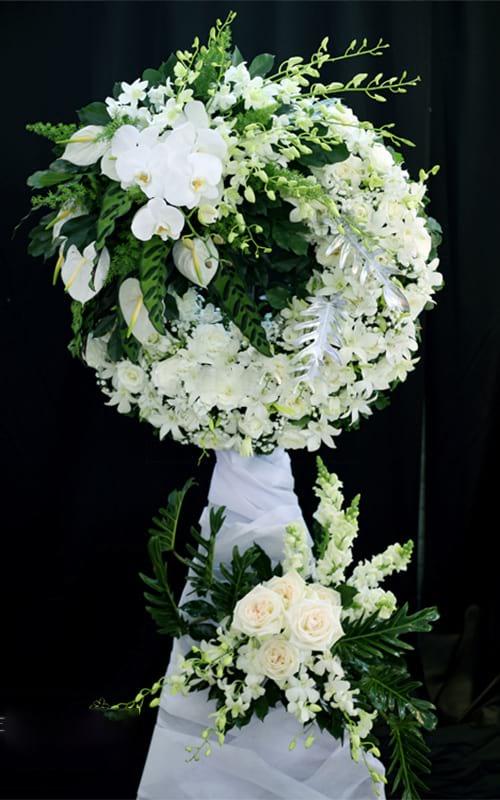 vòng hoa lan đám tang