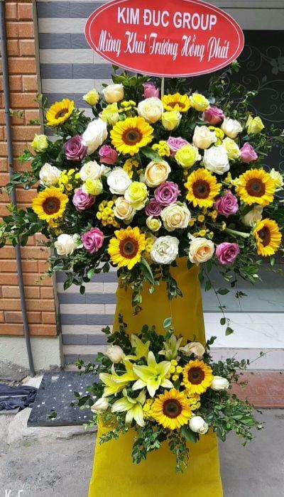 Kệ hoa khai trương tại shop hoa tươi Bắc Ninh