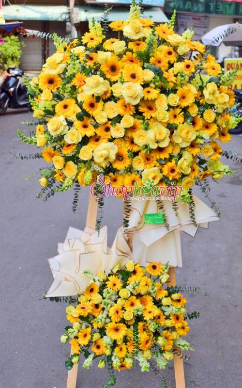 Kệ hoa chúc mừng khai trương tại shop hoa tươi Tân Uyên