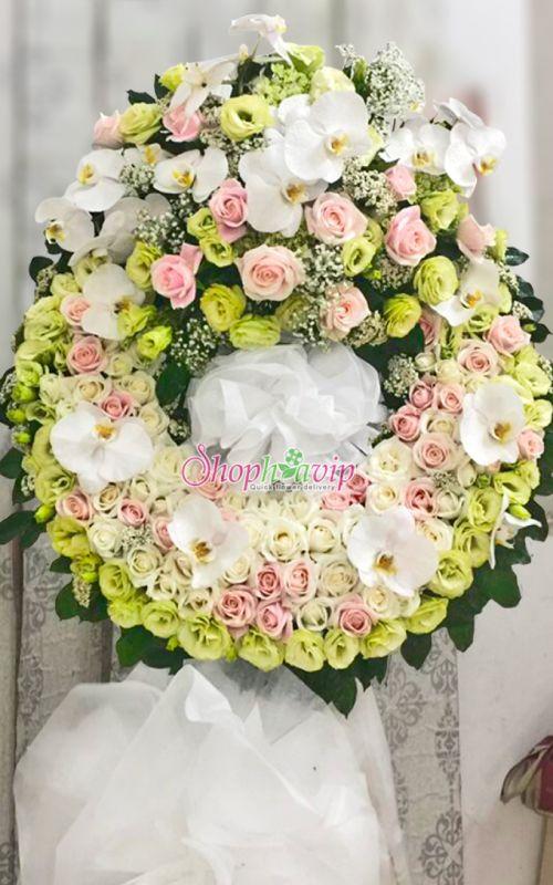 Vòng hoa tang lễ tại shop hoa tươi Bàu Bàng