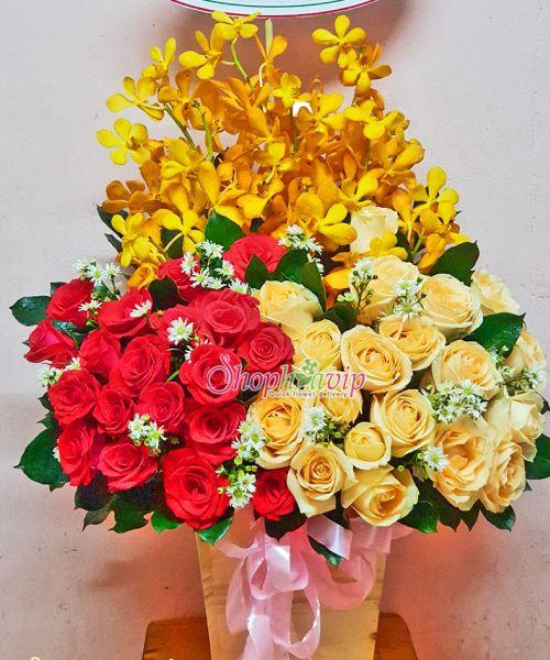 Giỏ hoa chúc mừng sinh nhật tại shop hoa tươi Tân Uyên