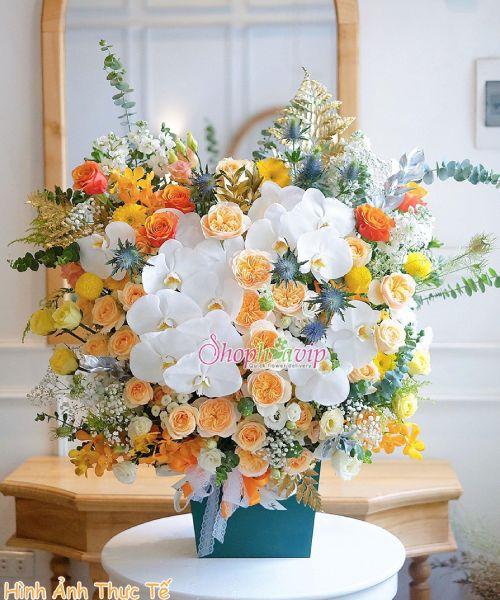 Giỏ hoa chúc mừng tại shop hoa tươi Thuận An