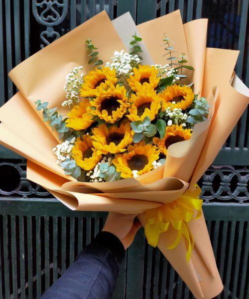Bó hoa hướng dương tại shop hoa tươi Bình Phước