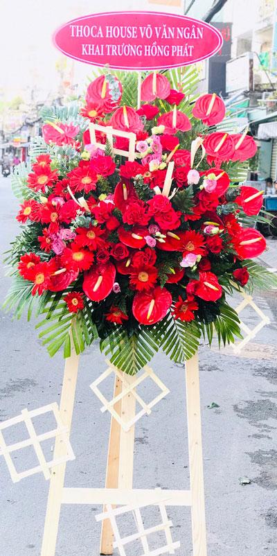 Kệ hoa khai trương tại shop hoa tươi Bình Phước