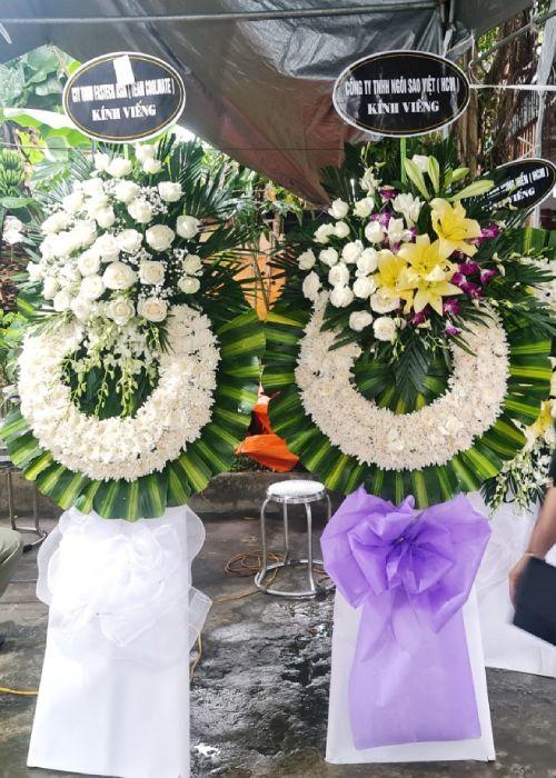 Kệ hoa tang lễ tại shop hoa tươi Bình Phước