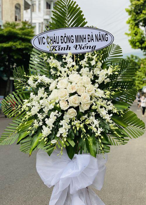 Kệ hoa tang lễ tại shop hoa tươi Bình Thuận