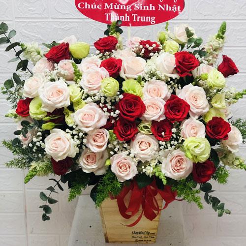 Giỏ hoa hồng tại Cửa hàng hoa tươi Cà Mau