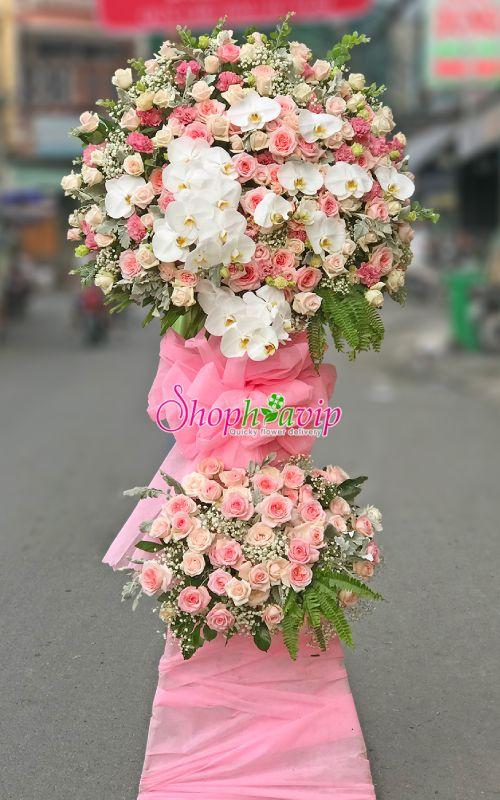 Kệ hoa chúc mừng khai trương tại shop hoa tươi Cần Thơ