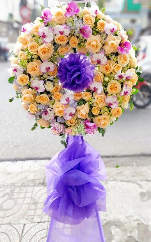 Vòng hoa tang lễ tại shop hoa tươi Cần Thơ
