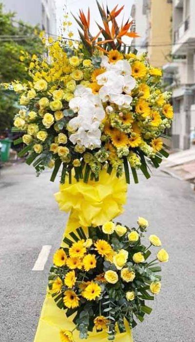 Kệ hoa khai trương tại shop hoa tươi Cao Bằng