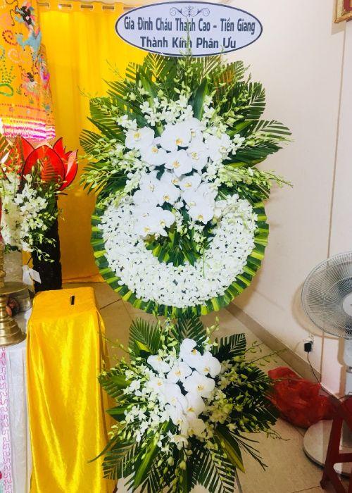 Vòng hoa tang lễ tại shop hoa tươi Cao Bằng