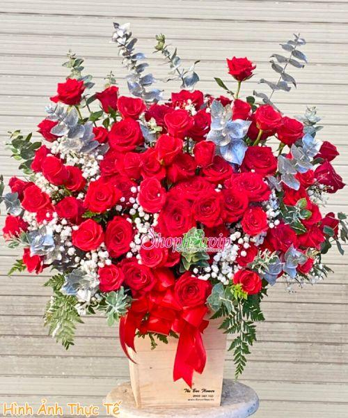 Giỏ hoa chúc mừng đẹp tại shop hoa tươi Định Quán