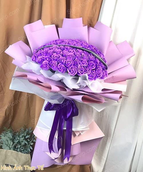 Bó hoa sáp tại cửa hàng hoa tươi Thống Nhất