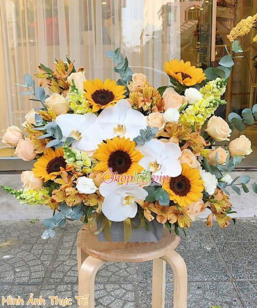 Giỏ hoa chúc mừng tại shop hoa tươi Thống Nhất