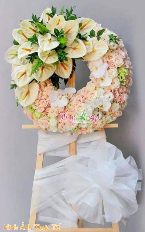 Vòng hoa tang lễ tại shop hoa tươi Gia Lai