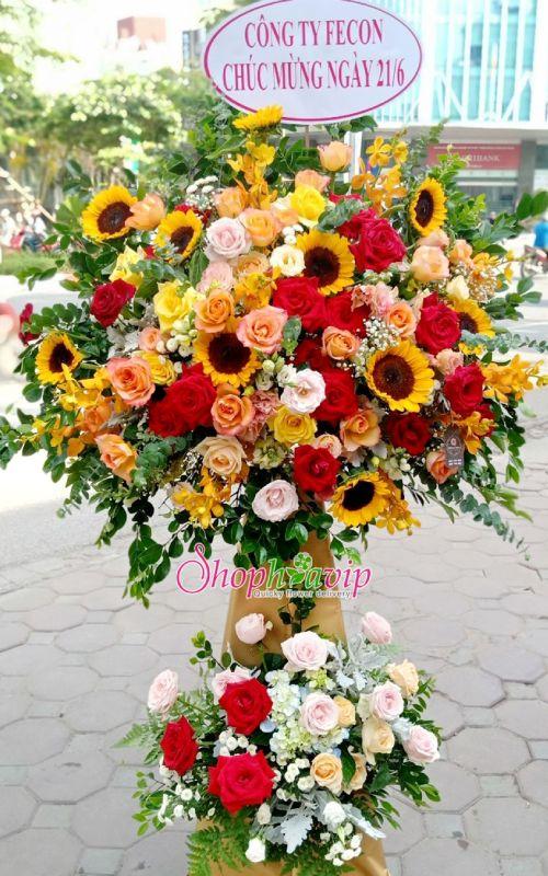 Kệ hoa khai trương tại shop hoa tươi Hà Nam