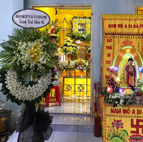 Vòng hoa tang lễ Ứng Hòa