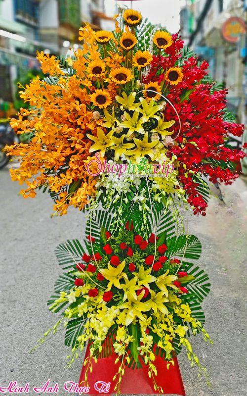 Kệ hoa chúc mừng khai trương tại shop hoa tươi Hà Tĩnh