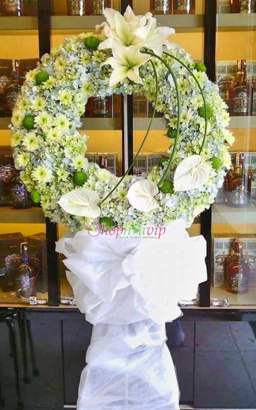 Vòng hoa tang lễ tại shop hoa tươi Hải Dương