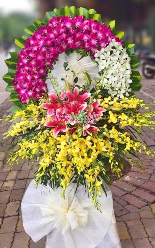 Vòng hoa tang lễ tại shop hoa tươi Hậu Giang