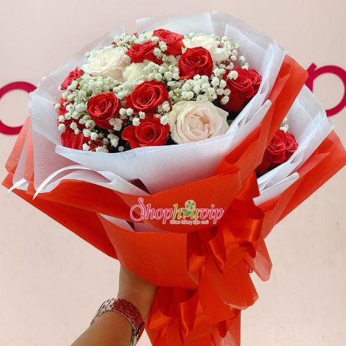 Bó hoa hồng tình yêu tại shop hoa tươi Hòa Bình