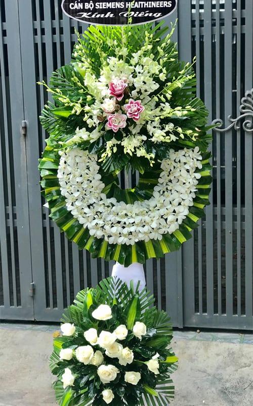 Hoa tang lễ tại shop hoa tươi Hương Trà