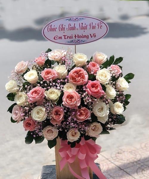 Lãng hoa sinh nhật tại shop hoa tươi Hương Trà