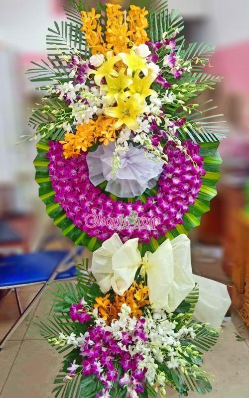 Kệ hoa tang lễ tại shop hoa tươi Hưng Yên