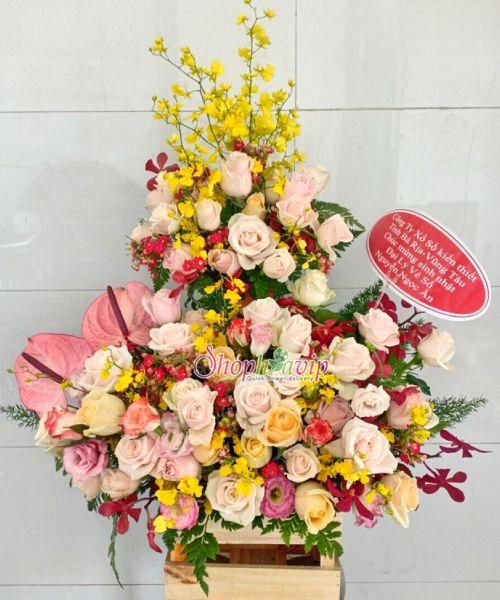 Giỏ hoa tươi tại shop hoa tươi Khánh Hòa