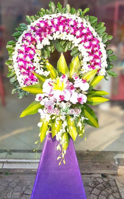 Vòng hoa tang lễ tại shop hoa tươi Lai Châu