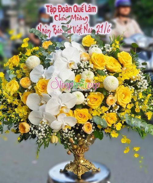 Giỏ hoa chúc mừng tại shop hoa tươi Lạng Sơn
