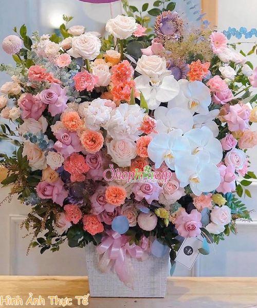 Giỏ hoa chúc mừng tại shop hoa tươi Lào Cai