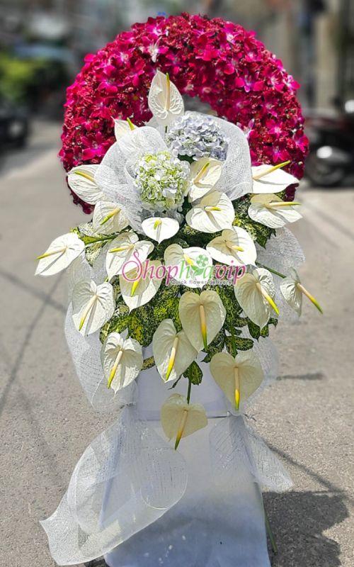 Vòng hoa tang lễ tại shop hoa tươi Lào Cai