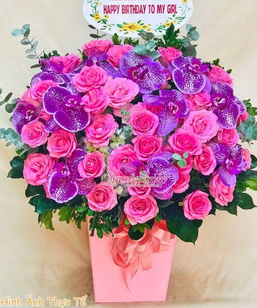 Giỏ hoa chúc mừng tại shop hoa tươi Long An