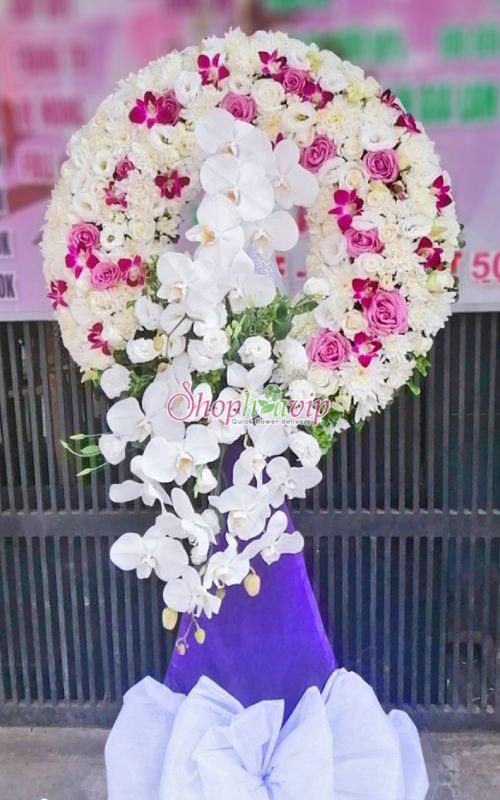 Vòng hoa tang lễ tại shop hoa tươi Long An