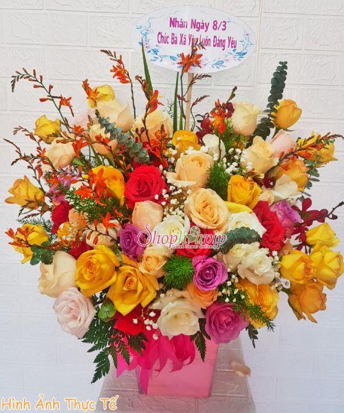Giỏ hoa chúc mừng tại shop hoa tươi TP Long Khánh