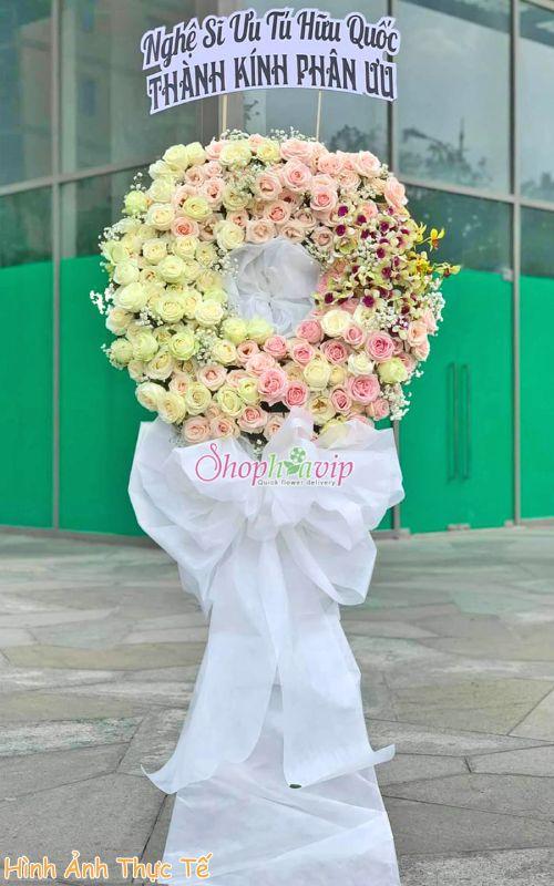 Vòng hoa tang lễ tại shop hoa tươi Thái Bình