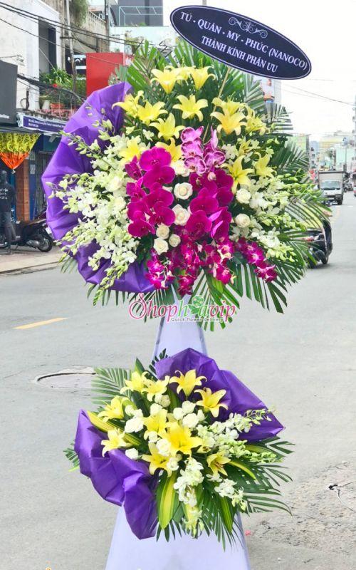 Vòng hoa tang lễ tại shop hoa tươi Thanh Hóa