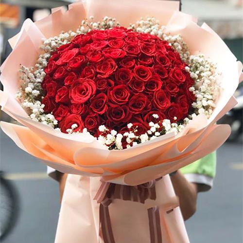 Bó hoa hồng đỏ đẹp tại shop hoa tươi Quận 9