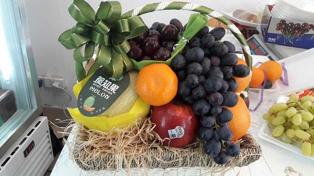 Giỏ trái cây tặng tang lễ